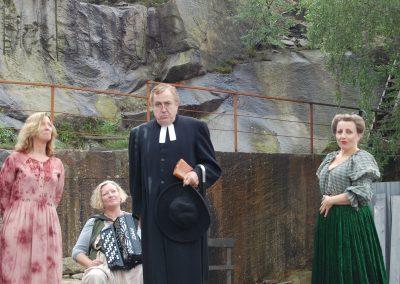 Simson, Fru Aurelia, Cecili och kapellmästare Carita Jonsson