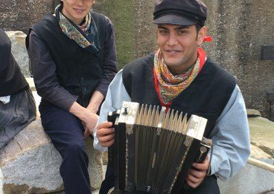 Fiskarungdomarna Jonas och Niklas, spelade av Shabir och Rohollah