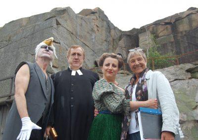 Manusförfattaren och regissören Maria Hörnelius med Måzart, Simson och Fru Aurelia